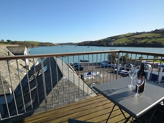 Courtenay Cottage - Balcony Views across Salcombe Estuary