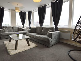 Light & Spacious 2 bedroom apartment in Leicester City Centre