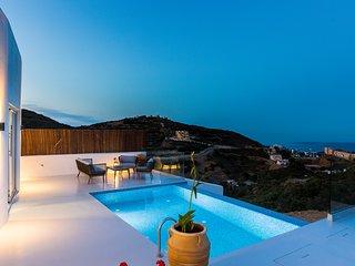 Lili Villa - Panoramic sea views, very close to the beach, totally private!