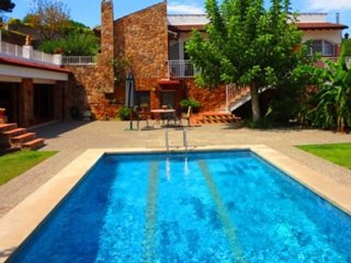 House for family holidays, 15 minutes from the beach