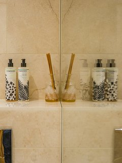 Luxurious Cowshed toiletries in all bathrooms