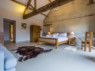 The Chalk Barn at Buttle Farm - 4 bed