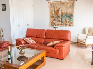 3 BED APARTMENT IN EL DUQUE PD/160