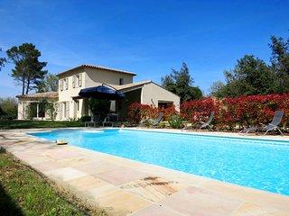 Belle maison de vacances avec piscine prive