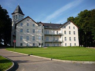 Urlaub im Schloß an der Ostsee - 2-Zi-Schloßappartement in Schloß Hohen Niendorf
