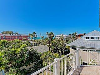 $325 nightly or  $2100 weekly until Thanksgiving week 2018, Beach view sleeps 14