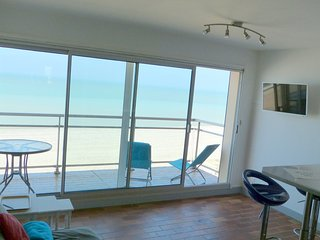 appartement 'La Capitainerie'  face a la mer vue 360 degres,grand balcon