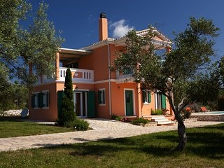 Villa Pantheon, 3 Bedrooms, Private Pool, Sea Views,  Lefkas