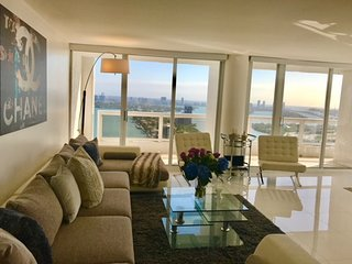 Take your Breath Away Panoramic Penthouse! 3931