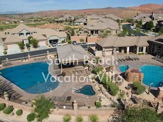 South Beach Vacation Villa! Near Zion, 4 bedrooms sleeps 10 adults