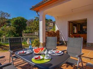 Casa Olivera, piscine privée, jardin grande, familles et chiens très bienvenues