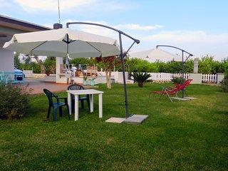 Rainbow Holiday Home - Rilassante casa vacanze a 12 km da Ortigia - Mare