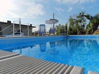 Rainbow Holiday Home - Rilassante Villa&Piscina a 12 km da Ortigia - Mare