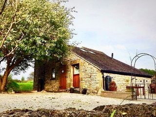 Chestnut Farm Holiday Cottages - The Farrows - Sleeps 4