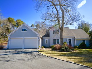 Large, Updated 5 Bedroom with Private Beach Access
