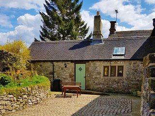 Chestnut Farm Holiday Cottages - The Dairy - Sleeps 2