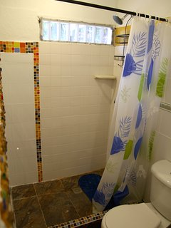 Bathroom #1: located in bedroom #2