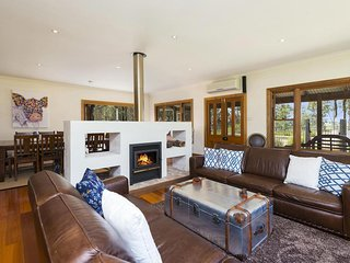 Hunter Valley Accommodation - Dalwood Country House - Dalwood - Sitting Room