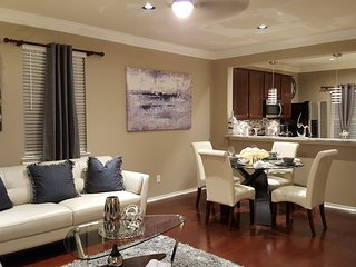Luxury Executive Townhouse from $119 p/night close to Houston