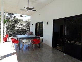 maison recente a louer en pleine nature-proche Tamarindo