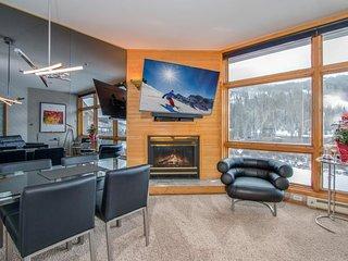 NEW LISTING! High-end condo w/mountain views, easy ski access & private hot tub!