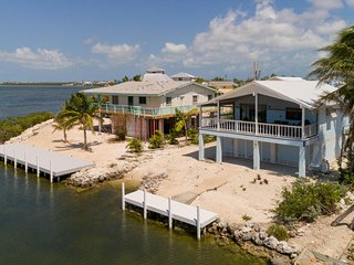 Home with Open Ocean,Spectacular Sunset views & Private Launch (28 day rentals)