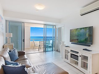 Blue C 1304 - Coolangatta Beachfront!
