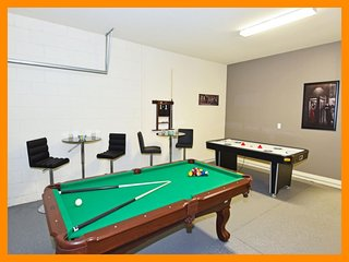 Watersong Resort 14 - Modern resort villa with game room and private pool