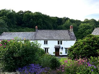 Bratton Mill Farmhouse - Charming former mill - sleeps 8