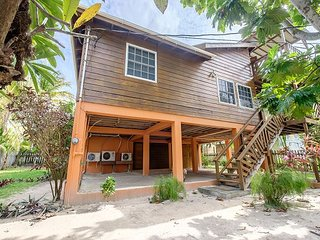 Family friendly private home close to the beach with lagoon views