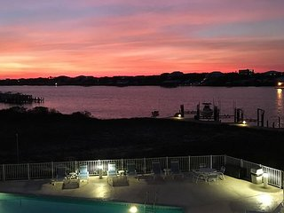 **SUMMER BLAST SPECIAL * 35% OFF-JUBILEE LANDING-Aqua Vacations**