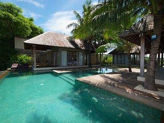 Mora, 3 Bedroom Luxury Villa Senggigi Ocean View in Lombok;