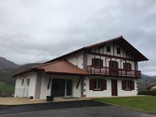 Mendialdea apartaments