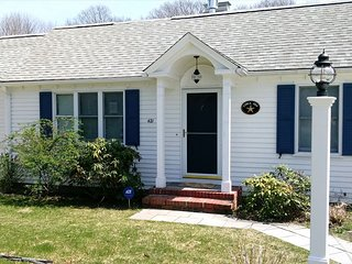 By The SEA ~Hyannisport BEAUTY! Sleeps 10 ! 137892