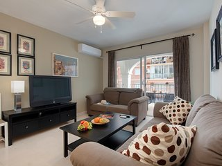Fantastic 3 bedroom apartment for up to 7 people with A/C and 3 mins from beach