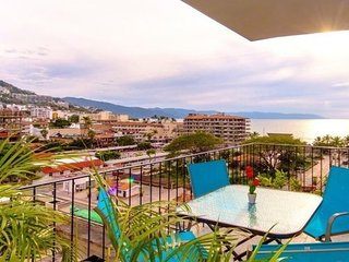 THE PARK CONDO ZONA ROMANTICA 2 BEDROOMS