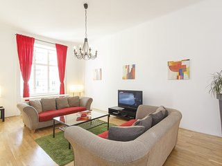 King Wenceslas 5. 2 bedrooms with free wi-fi and transfer on arrival. Sleeps 5
