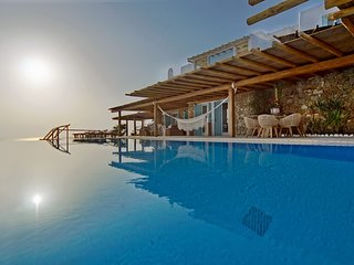 BlueVillas | Fanari Retreat | Private Infinity Pools | 104 guests