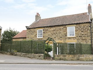 2 CHURCH COTTAGES, TV, WiFi, Wood burner, Ref. 977250.
