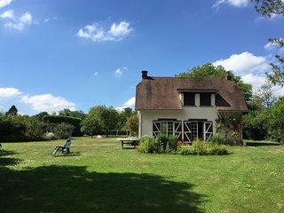 Maison de campagne au coeur d'un grand jardin