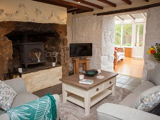 Hope Cottage, Lelant Downs - Sleeps 4-  Garden and Parking