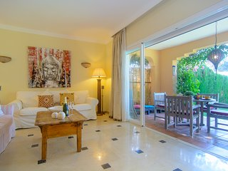 Venalmar first line townhouse with private garden and direct beach exit