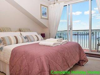 Gunpowder Cottage - a lovely 3 bedroom Waterside Townhouse, sleeping 6 +2