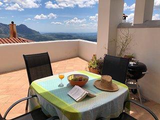 Los Pisos, une authentique maison de village, pleine de charme, superbe vue!