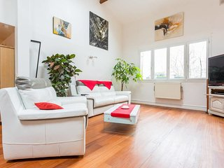 Spacious 100m2 flat - Buttes-Chaumont