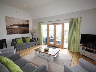 House 24 - A beautifully furnished holiday home, boasting far reaching country v