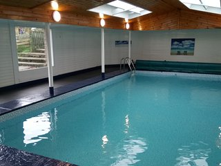 Country Cottage, indoor pool and hot tub