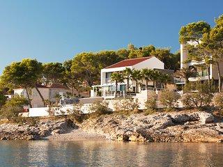 3 bedroom Villa in Sutivan, Splitsko-Dalmatinska Zupanija, Croatia : ref 5622511