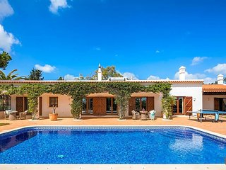 4 bedroom Villa in Colinas Verdes, Faro, Portugal : ref 5622564