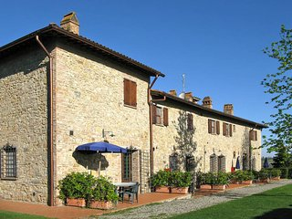 2 bedroom Apartment in San Gimignano, Tuscany, Italy : ref 5447524